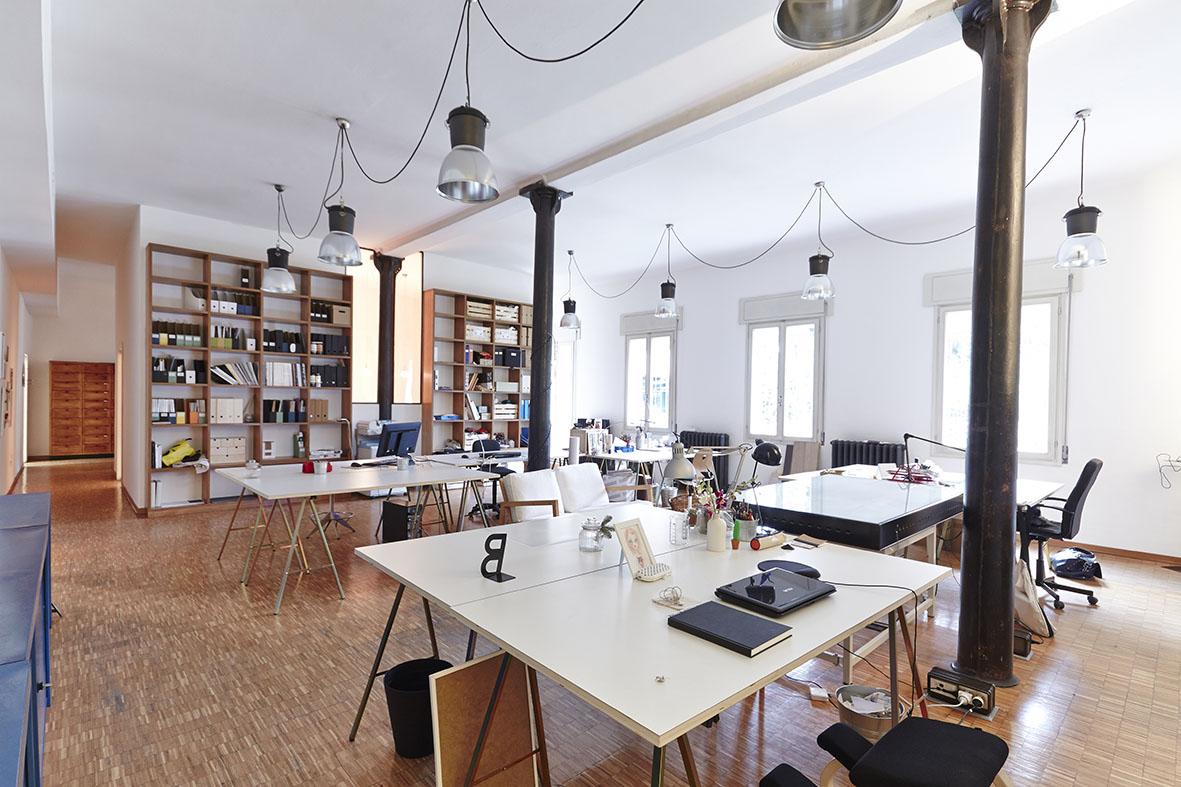 laboratorio arka. Black Bedroom Furniture Sets. Home Design Ideas
